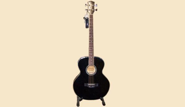 Chitarra basso Richmond